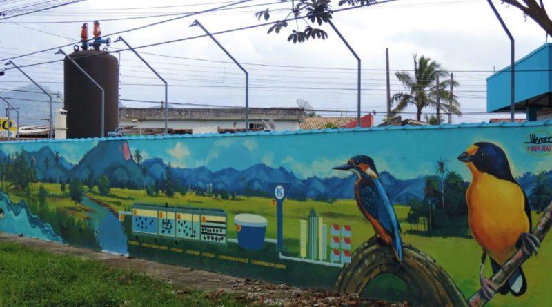 Antes depredado, muro agora tem pinturas que revitalizam região do Porto Novo, em Caraguá