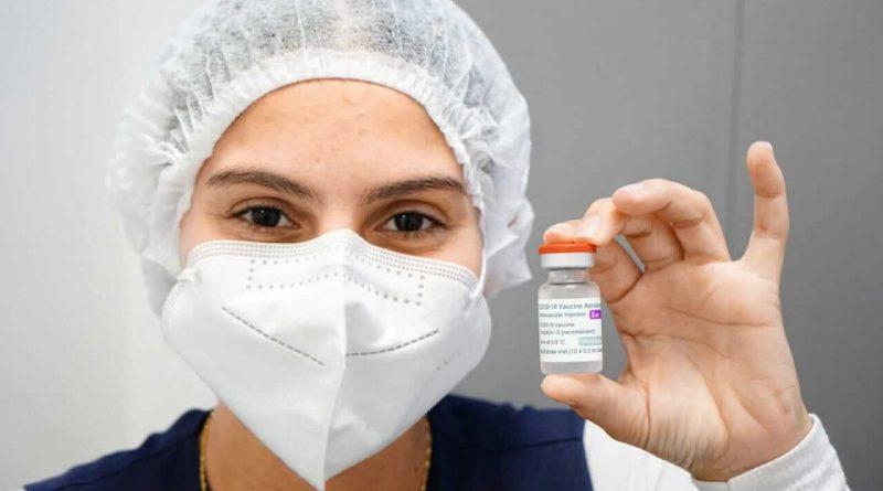 Caraguatatuba se antecipa e abre vacinação Covid-19 para população geral de 50 a 59 anos em Dia D no próximo sábado