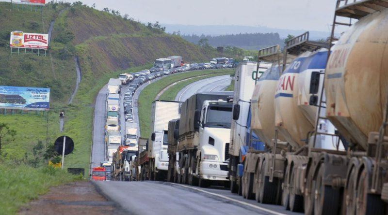 """""""O Custo Brasil vai diminuir"""", diz relator de MP que cria Documento de Transporte Eletrônico"""