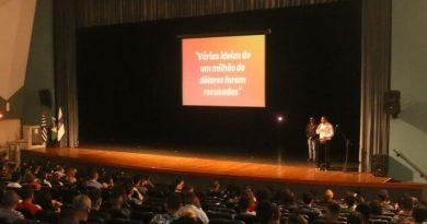 Aguilar Junior anuncia Mutirão de Emprego durante treinamento preparatório para processo seletivo
