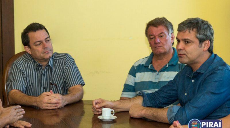 Prefeito de Piraí recebe senador Lindbergh e comitiva em anúncio de emenda para a Saúde
