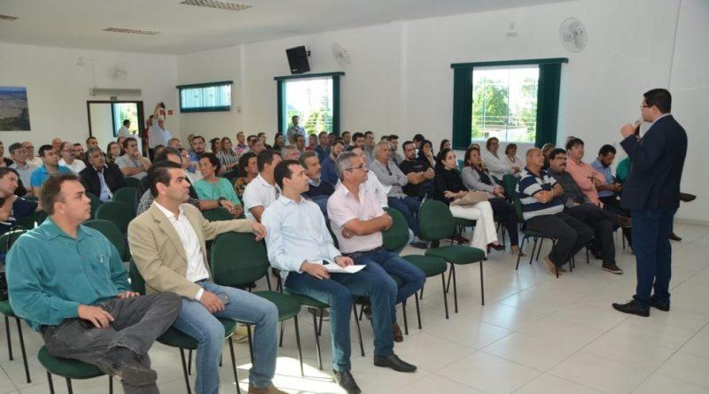 Aguilar Junior anuncia curso para que comerciantes participem de licitações públicas