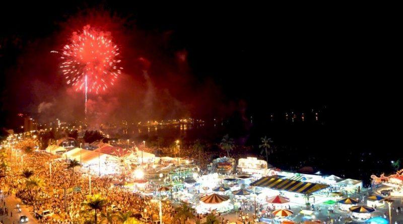 O Réveillon em Caraguatatuba terá seis pontos de shows pirotécnicos com fogos sem estampido